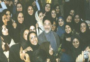 سرنوشت پنج زن که با رئیس دولت اصلاحات عکس یادگاری گرفتند