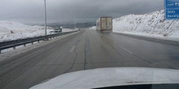 بارش برف و باران در چندین استان/تردد در جادههای کوهستانی فقط با زنجیرچرخ