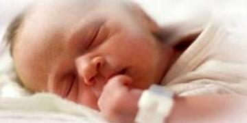 سقوط نوزاد پنج ماهه از ساختمان چهار طبقه