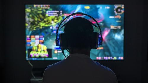 ۶ راهی که میتوان از بازیهای رایانهای پول بدست آورد
