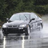۵ توصیه دربارهی رانندگی در باران